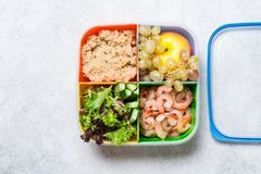 Lunch box with a balanced meal. Fruits Vegetables Proteins Stock Photography