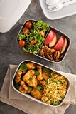 Lunch boxes with food ready to go Royalty Free Stock Photos