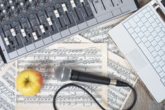 Lunch break in a recording studio Royalty Free Stock Photos