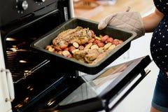 Lunch die in oven worden gedaan royalty-vrije stock afbeeldingen