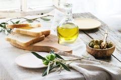 Lunch med oliv Fotografering för Bildbyråer