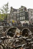 Lunch nära kanalen i Amsterdam Royaltyfria Bilder