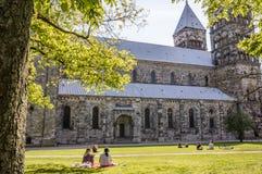 Lund domkyrka i vårsolljus Arkivbild