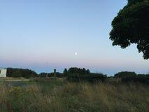 Lune au-dessus de Cramlington Photos libres de droits