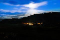 Lune au-dessus de Tywyn Photo stock