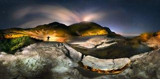 Lune au-dessus du dessus du bruit Ivan Maramorosh image libre de droits