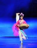 Lune de ballet de fille-Hui de Han au-dessus de Helan Photographie stock