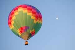 Lune de ballon d'arc-en-ciel Images libres de droits