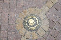 Lune en bronze sur le plancher photo libre de droits