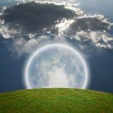Lune lumineuse géante Photo libre de droits