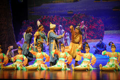 Lune marchande-Hui tribale de ballet au-dessus de Helan Photographie stock