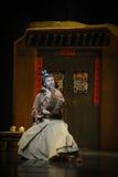 Lune martiale de ballet d'arts-Hui au-dessus de Helan Images stock
