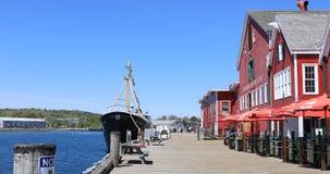 Lunenburg, προκυμαία της Νέας Σκοτίας με το μουσείο αλιείας ατλαντικό 4K απόθεμα βίντεο