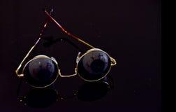 Lunettes de soleil rondes avec des globes oculaires Photos libres de droits