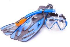 Lunettes, prise d'air et nageoires bleues de plongée D'isolement Photo libre de droits