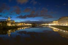 Lungarno Firenze afton Royaltyfria Bilder