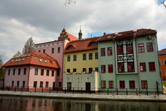 Lungofiume del fiume di Brda in Bydgoszcz, Polonia immagine stock libera da diritti