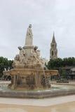 Lungomare Charles de Gaulle, fontana, Nimes, Francia Fotografia Stock