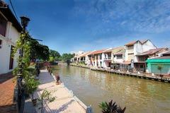 Lungomare della riva del fiume di Melaka di mattina, la Malesia Immagine Stock