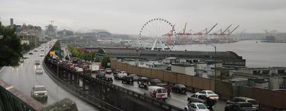 Lungomare di Seattle con il viadotto Fotografie Stock