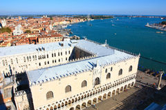 Lungomare di Venezia e palazzo del Doge Immagini Stock Libere da Diritti