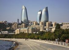 Lungonmare nella città di Bacu l'azerbaijan immagini stock