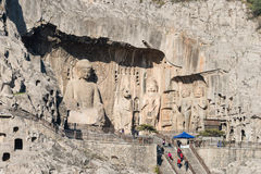 LUOYANG, ΚΙΝΑ - 13 ΝΟΕΜΒΡΊΟΥ 2014: Longmen Grottoes Κόσμος της ΟΥΝΕΣΚΟ αυτή Στοκ Φωτογραφίες