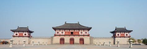 LUOYANG, CHINA - 18 DE NOVIEMBRE DE 2014: Puerta de Dingding, ciudad de Luoyang del fotos de archivo libres de regalías