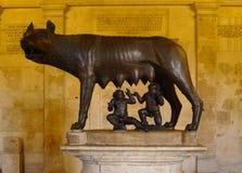 Lupa Capitolina på Musei Capitolini, Rome Royaltyfri Bild