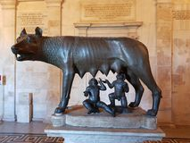 Lupa Romulus und Remus royaltyfria foton