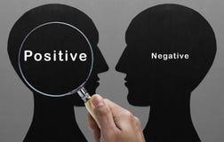 Lupenfokus auf Positiv Lizenzfreie Stockfotos