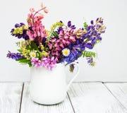 Lupines в вазе Стоковая Фотография RF
