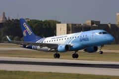 Luqa,马耳他- 2009年5月21日:埃及人巴西航空工业公司离开 库存照片