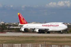Luqa,马耳他2005年6月10日:旅行直接波音747飞机 库存图片