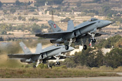 Luqa,马耳他2014年9月29日:瑞士F/A-18大黄蜂 免版税库存照片