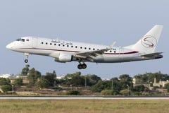 Luqa,马耳他2015年7月9日:巴西航空工业公司170着陆 免版税图库摄影