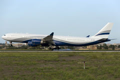 Luqa,马耳他2015年10月7日:A340着陆 免版税库存图片