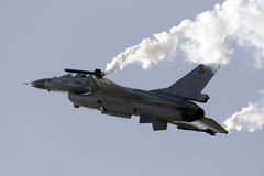 Luqa,马耳他- 2015年9月25日:F-16显示 免版税库存图片
