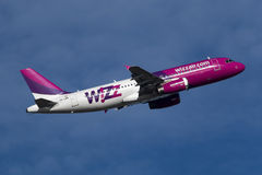 Luqa,马耳他2014年11月15日:Wizzair A320 免版税库存图片