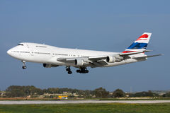 Luqa,马耳他, 2008年3月6日:波音747飞机着陆 库存照片