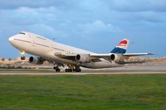 Luqa,马耳他, 2008年3月6日:波音747飞机着陆 库存图片