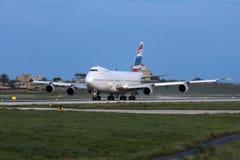 Luqa,马耳他, 2008年3月6日:波音747飞机离开 库存照片