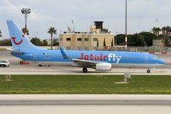 Luqa,马耳他, 2007年10月20日:Jetairfly 737 图库摄影