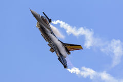 Luqa, Μάλτα - 27 Σεπτεμβρίου 2015: Επίδειξη F-16 Στοκ Φωτογραφίες