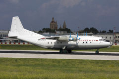 Luqa, Μάλτα, στις 27 Ιουνίου 2007: Ένας-12 προσγειωμένος Στοκ εικόνες με δικαίωμα ελεύθερης χρήσης