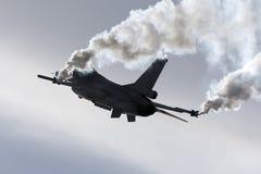 Luqa, Мальта - 25-ое сентября 2015: Дисплей F-16 Стоковые Изображения RF