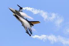 Luqa, Мальта - 27-ое сентября 2015: Дисплей F-16 Стоковые Изображения RF