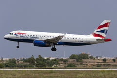 Luqa, 10 Augustus 2015: Britse Airwaya A320 Stock Afbeeldingen