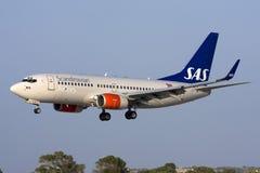 Luqa Malta, 9 Augusti 2008: SAS 737 landa 31 Arkivbild