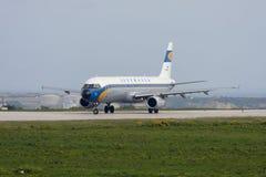 Luqa, Malta - 23 de fevereiro de 2008: Lufthansa retro Fotografia de Stock Royalty Free